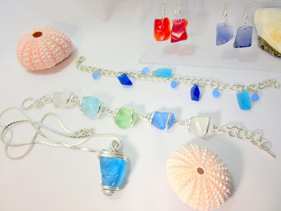 West Dennis, MA: Beach glass jewelry from locally sourced beach glass