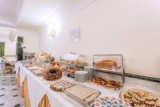 Hotel Regio: breakfast