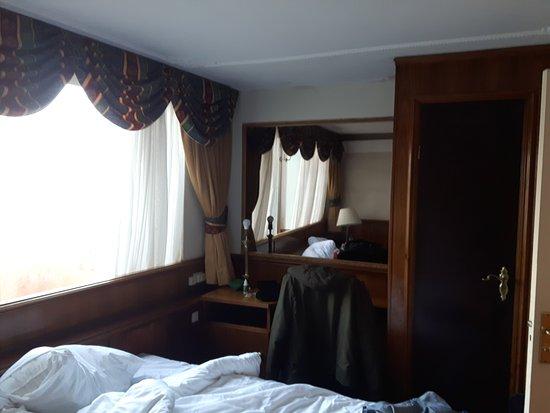 Rembrandtplein Hotel: 20161105_085407_large.jpg