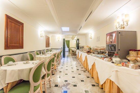 Hotel Regio: breakfast area