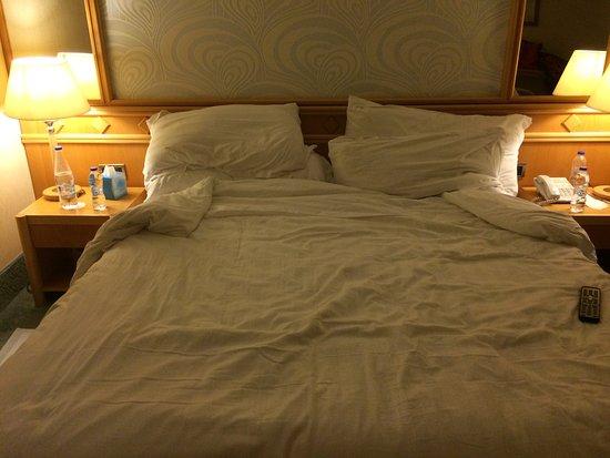 Constantinou Bros Asimina Suites Hotel: The evening turn down service!!!