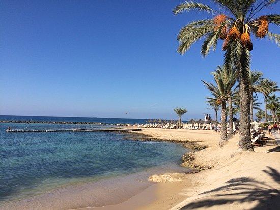 Constantinou Bros Asimina Suites Hotel: Public beach in front of hotel