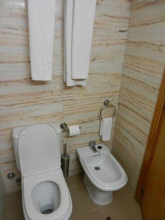 Es Pueto Club Resorts: Baño en suite