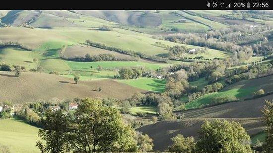 Mondaino, Италия: Questa e' la valle di montespino