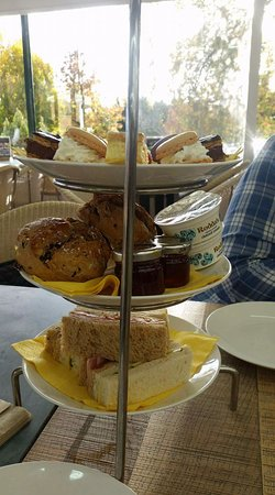 Blooms Worcester Garden Centre: Afternoon tea