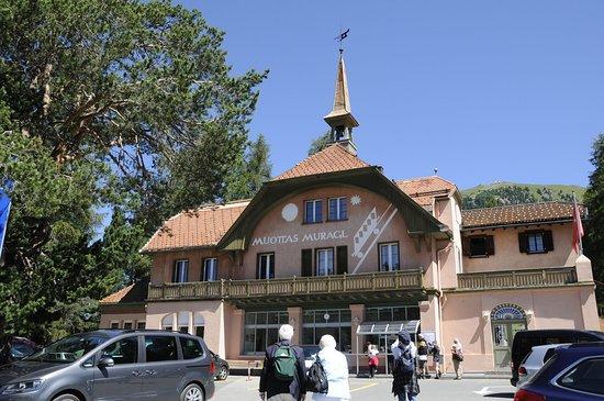 Muottas Muragl: Station de départ du funiculaire