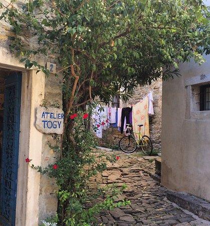 Groznjan, Kroatia: Wear sturdy walking shoes to visit Ateliers in this spectacular village in Istria.