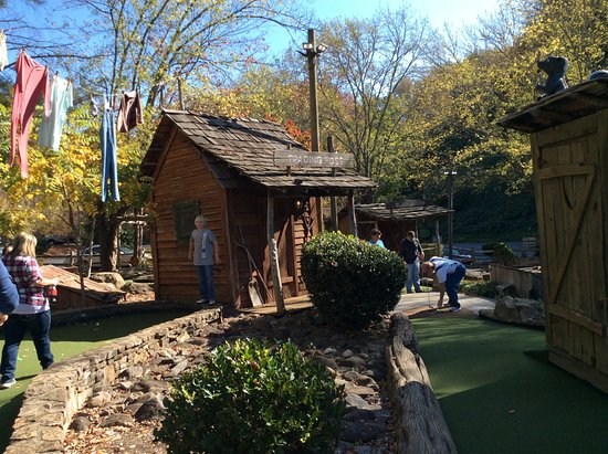 Ripley's Davy Crockett Mini Golf: hole 16