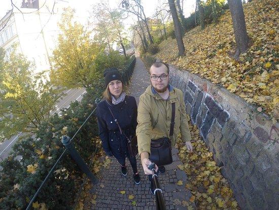 Brno, República Checa: Обычный Замок с красивой территорией. Жаль попали в выходной и не смогли посетить выставки...