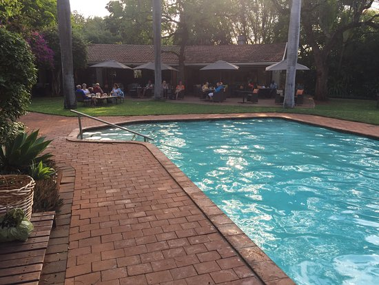 Mkuze, South Africa: Bar and Pool area