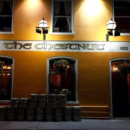 Birr, Ireland: The Chestnut Public House