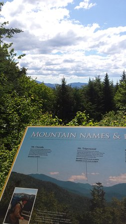 Lost River Gorge and Boulder Caves : Mountian viewpoint at the top