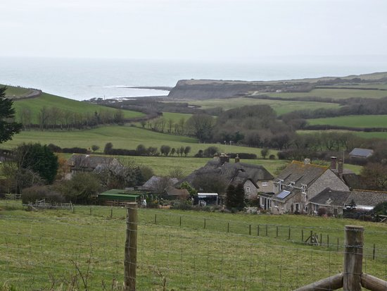 Kimmeridge, UK: Drive down to the Bay