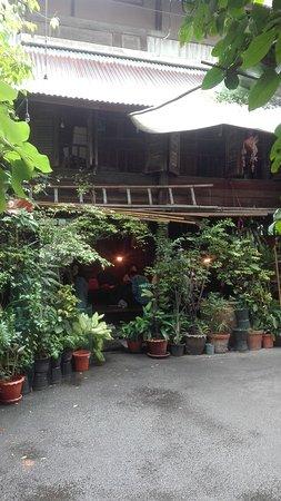 Suk 11 Hostel: IMG_20161107_122200_large.jpg