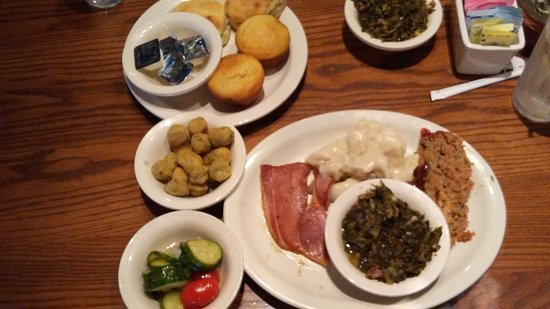 Calvert City, KY: Lunch Sampler - Meat Loaf, Dumplings and Country Ham