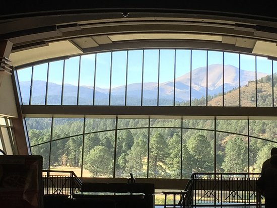Inn of the Mountain Gods Resort & Casino: View from the Lobby...it will awwwww you