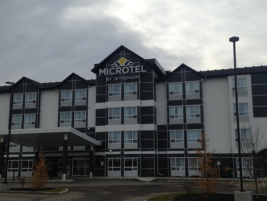 ‪Microtel Inn & Suites by Wyndham Bonnyville‬