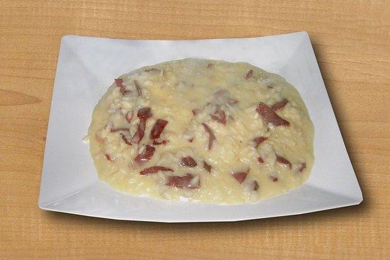 Perledo, Italië: risottino con bitto e bresaola