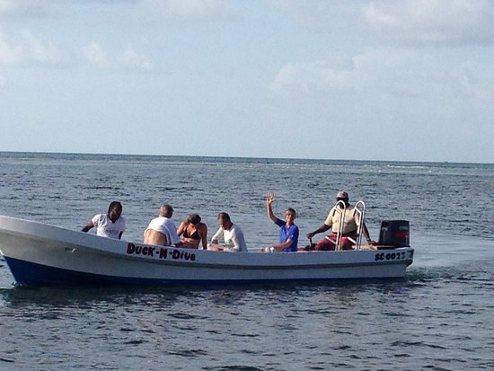 Glovers Reef Atoll, Belice: Great boats.