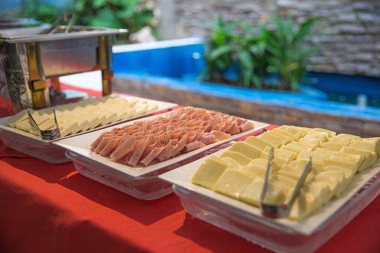 Playa Club Hotel: Buffet de desayuno