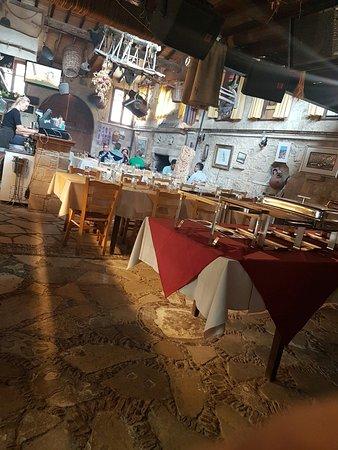 Lofou Taverna: 20161105_151105-1209x1612_large.jpg