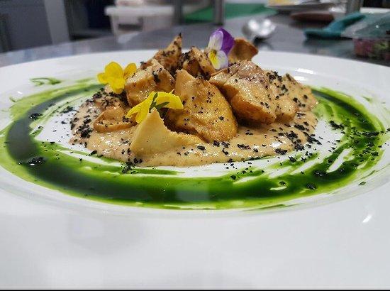 Bejar, Spain: Lengua de vaca(seta) caviar de erizos y plancton marino