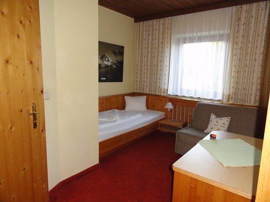 Familienzimmer Kinderzimmer 2/2 - Bild von Der Dolomitenhof ... | {Kinderzimmer für 2 52}