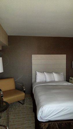 Hilton Los Angeles Airport: 2 double beds on suite.