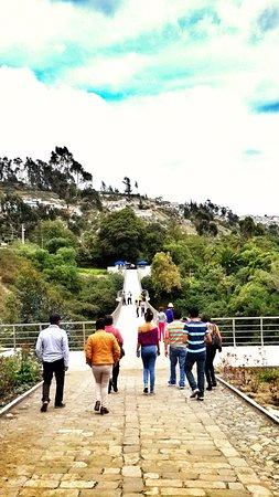 La Quinta de Juan Leon Mera: Camino al parque botánico