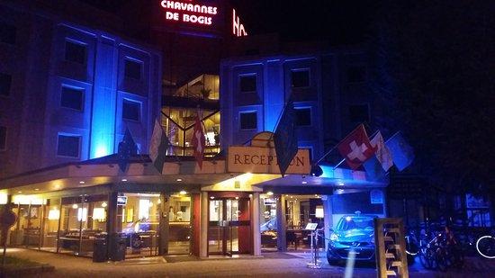 Chavannes-de-Bogis, Suíça: 20161108_050916_large.jpg