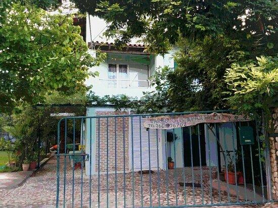 Paramonas, Greece: image-0-02-01-d5b51f1d66a817065a86316fa552ffd1102b28c1ea09e35b72d6760a8cb1139a-V_large.jpg