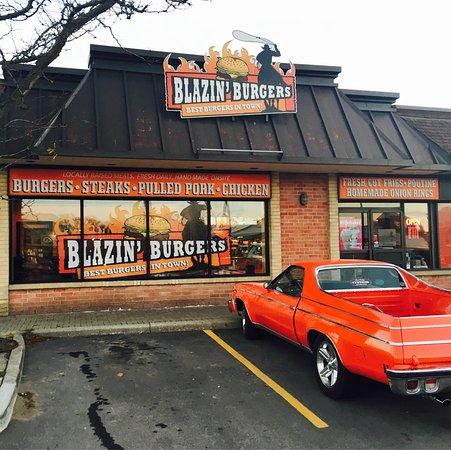 Port Perry, Canada: Blazin' Burgers