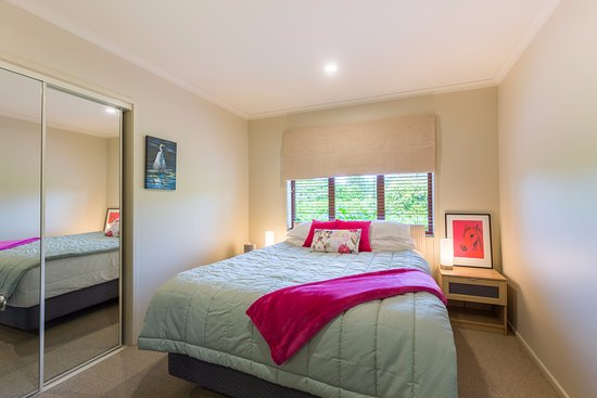 Accent House Boutique Bed & Breakfast: Heron Suite. Our smaller suite and so a little less in tariff. Ideal for individual travellers.