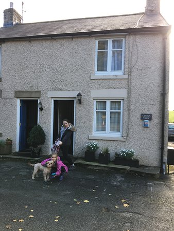 Tideswell, UK: In front of the house