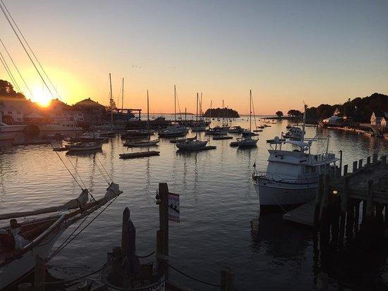 Grand Harbor Inn Photo