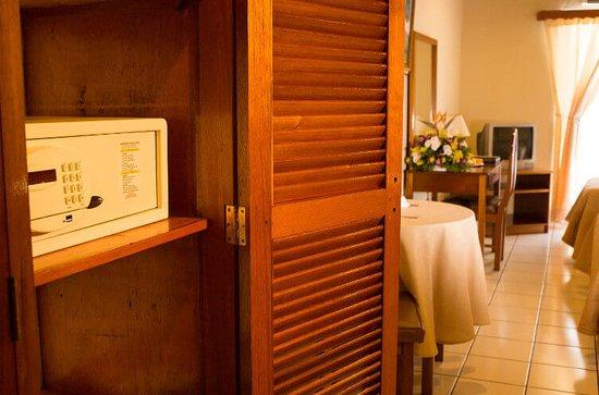Mansion Teodolinda: Caja de seguridad en habitaciones