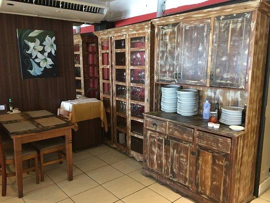 Decoraç u00e3o tem móveis rústicos Picture of D'grillos Restaurante, Florianopolis TripAdvisor -> Decoração De Restaurante Rustico