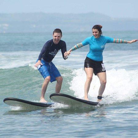 巴厘岛三泰冲浪学校