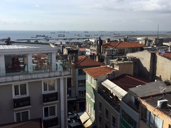 Hotel Niles Istanbul: View from the rooftop terrace.