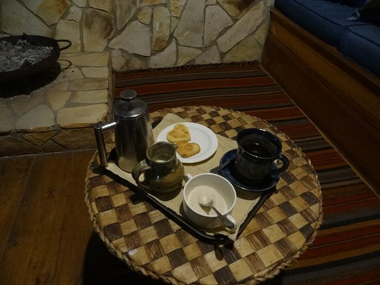 Bwindi Lodge: Wake up call
