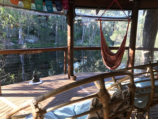 Maraylya, Australia: the pagoda - relaxing space on the other side of the billabong