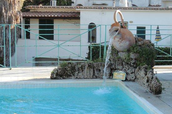 Grand Hotel Terme di Augusto: piscina sul terrazzo