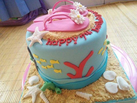 Fondan Cake Picture of Henny Cookies and Cakes Denpasar TripAdvisor
