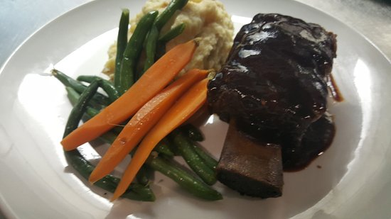 Smithfield, Род Айленд: Braised Short Rib