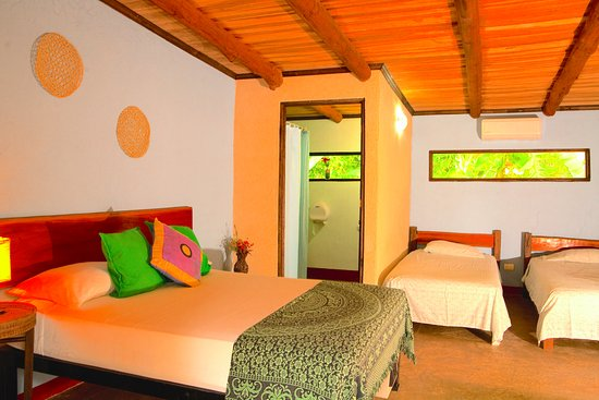 Cuesta Arriba Hotel: Bright rooms