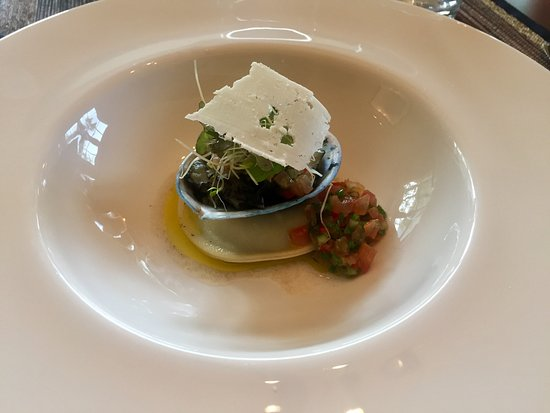 Owen River Lodge: Beautifully Presented Abalone Starter