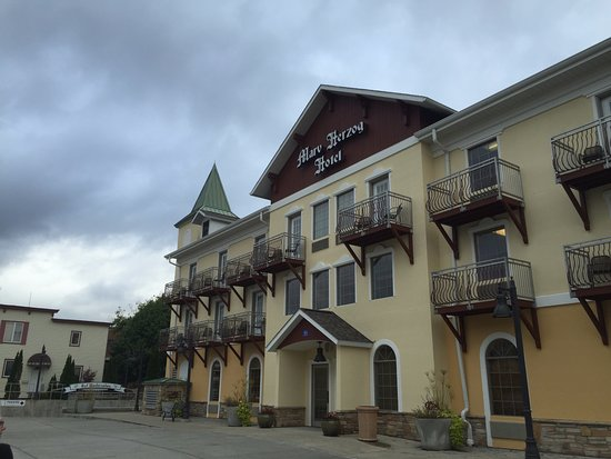The Marv Herzog Hotel: Quaint little place. :)
