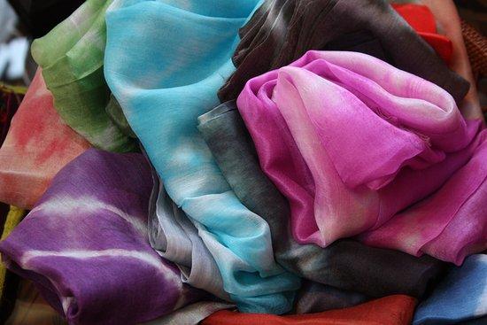 Topanga, CA: Vibrant Silk Scarves @ Jalan Jalan Imports