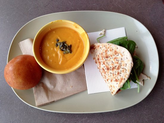 Lisbon, CT: Panera Bread - Autumn Squash Soup & Turkey Cranberry Flatbread