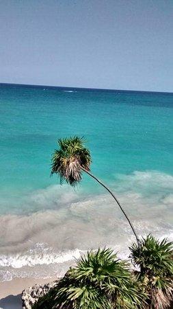Quintana Roo, Meksika: Hermosa vista del majestuoso Caribe desde el castillo